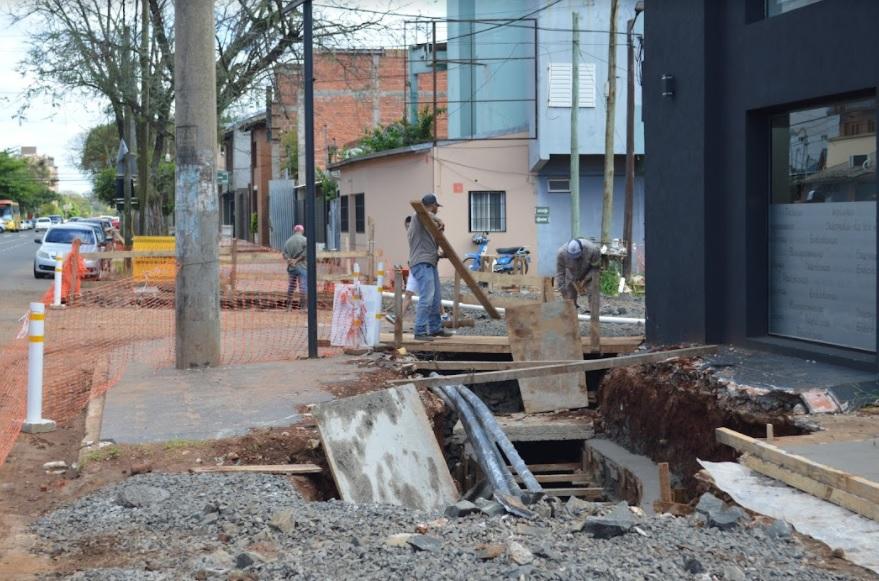 Desarrollan obras de entubamiento en el barrio Tajamar