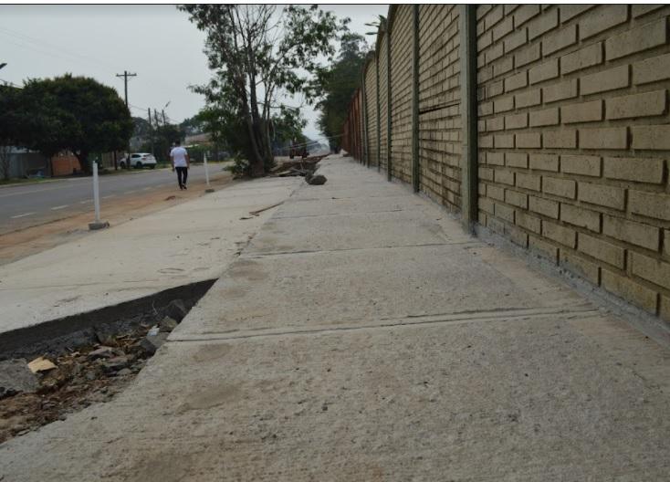 Avanza la construcción de veredas en la avenida Kolping